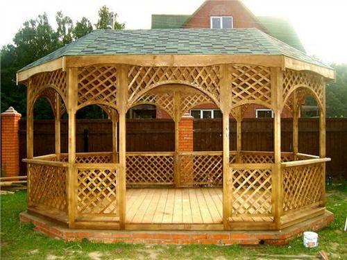 Чем покрасить деревянную беседку снаружи на даче