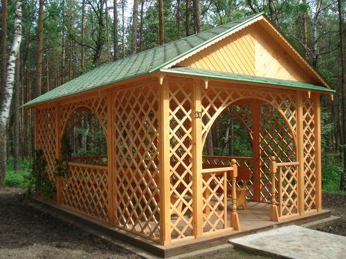 Особенности строительства двухскатной крыши для беседки