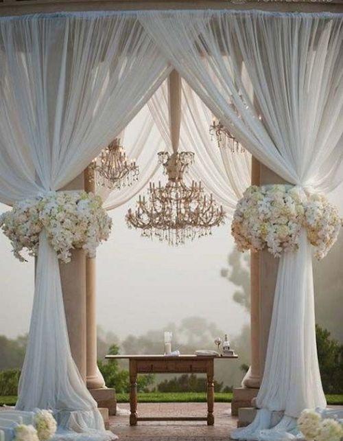 Текстильное украшение свадебной беседки